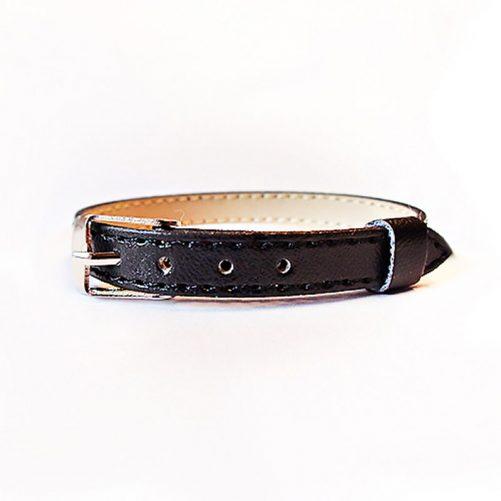 Namnarmband Svart enfärgat med läderlook. Reglerbart. Passar till bokstäver för armband. LillaFilur.se