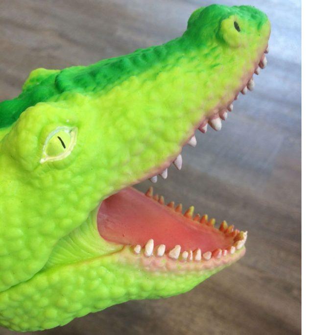 Handdocka krokodil. Fina handdockor med djur. LillaFilur.se