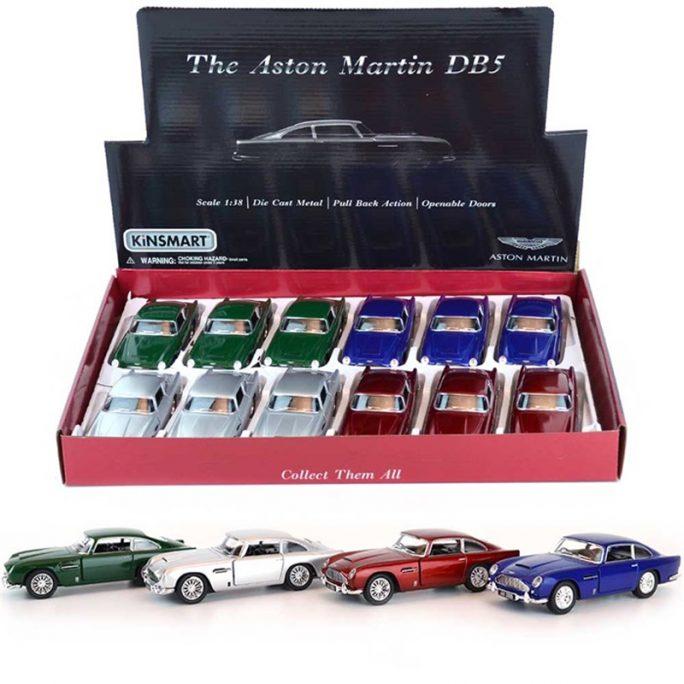 Leksaksbil metall Aston Martin DB5. LillaFilur.se säljer välgjorda leksaksbilar i metall från välkända bilmärken. Official Licensed product från Aston Martin. Leksaksbil Aston Martin med öppningsbara dörrar och pull back funktion. Skala 1:38. Beställ på LillaFilur.se