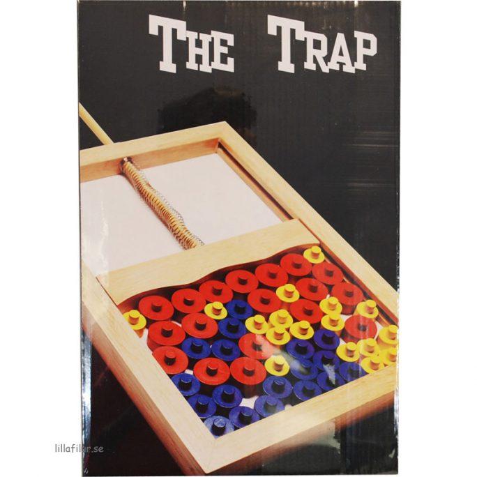Roligt klassiskt spel Råttfällan. Plocka så många poäng som möjligt utan att råttfällan slår igen. Köp The Trap Spelet / Råttfällan Spelet på LillaFilur.se