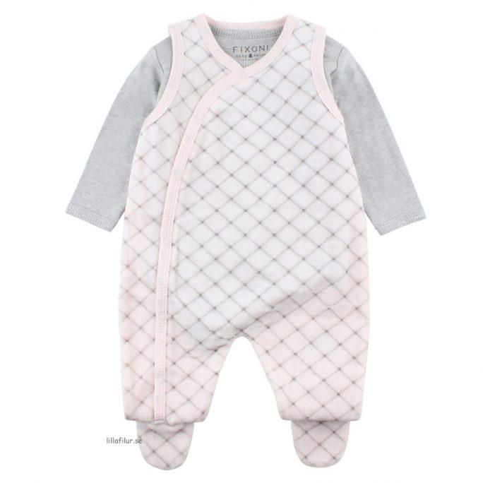 Rosa velour sparkdräkt med fötter. Set med matchande body. Storlek 50-68 cl. Beställ babykläder nyfödd hos LillaFilur.se