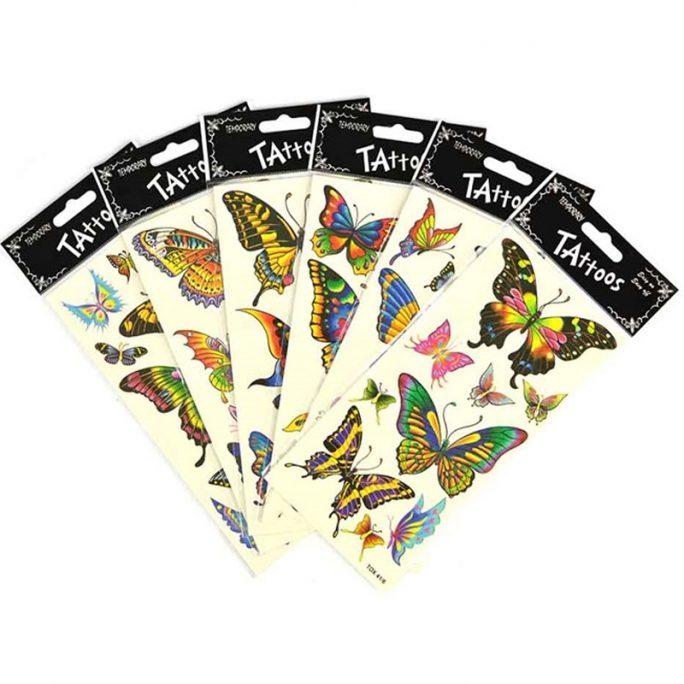 Tillfälliga tatueringar barn såkallade gnuggisar som fästs med fuktad trasa. Innehåller ett helt ark med barntatueringar fjärilar. Köp gnuggisar på LillaFilur.se
