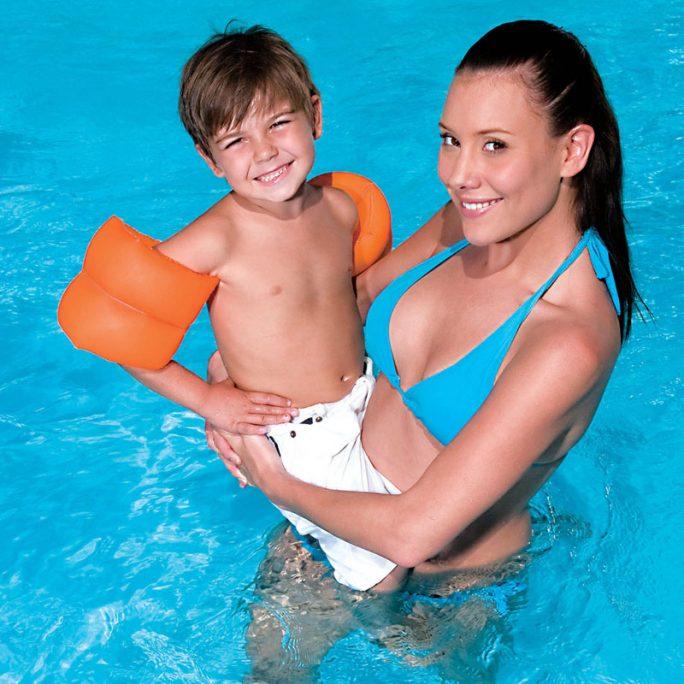 Uppblåsbara armringar barn. Beställ uppblåsbara badleksaker på LillaFilur.se