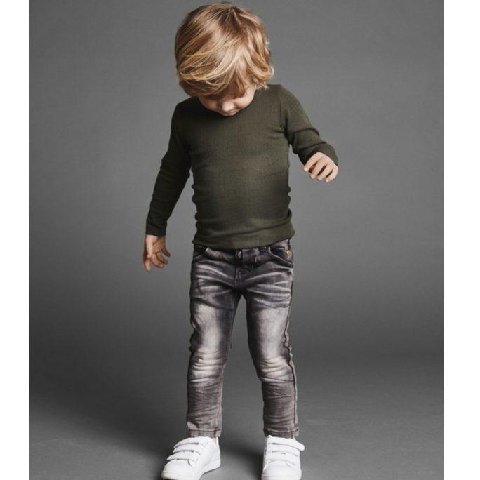 Barn jeans extra slim svarta. Barnjeans Storlek 80, 86, 92, 98, 104, 110. Beställ jeans barnLillaFilur.se