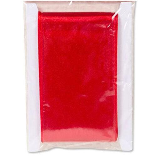 Rött sidenband för Lucia. Luciaband 3,8 x 2,5 meter. Även lucialinne vuxen.
