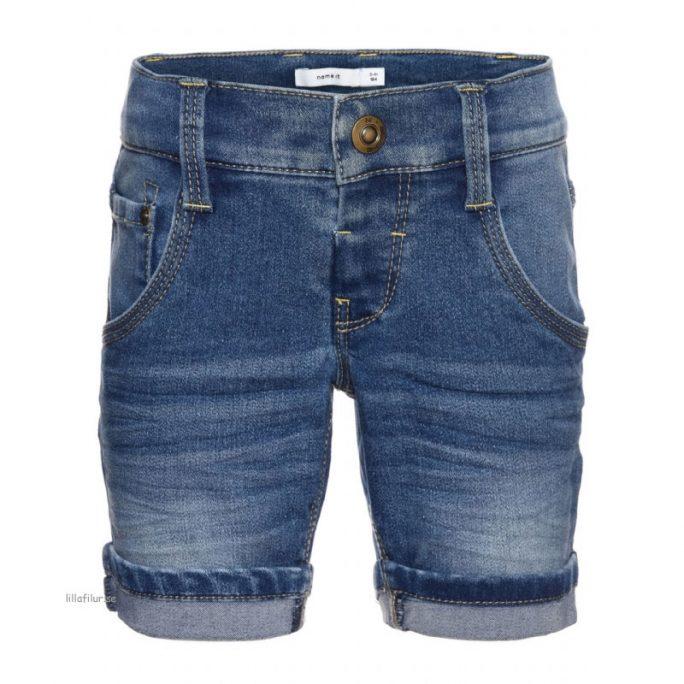 Shorts barn Rea 50%. Snygga slim shorts för barn och kille från Name It. Köp barnkläder rea på LillaFilur.se