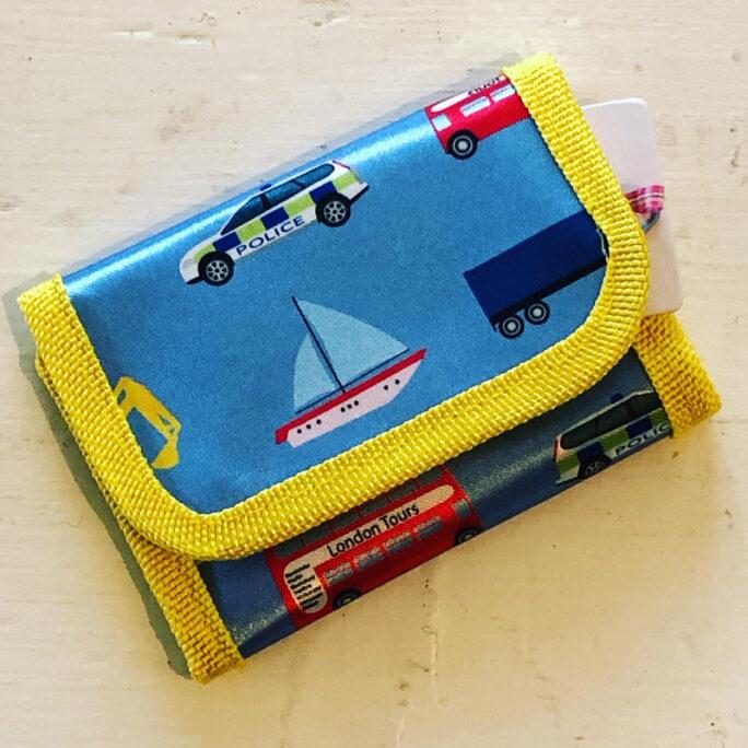 Plånbok barn pojke och flicka. Plånbok med fordon.