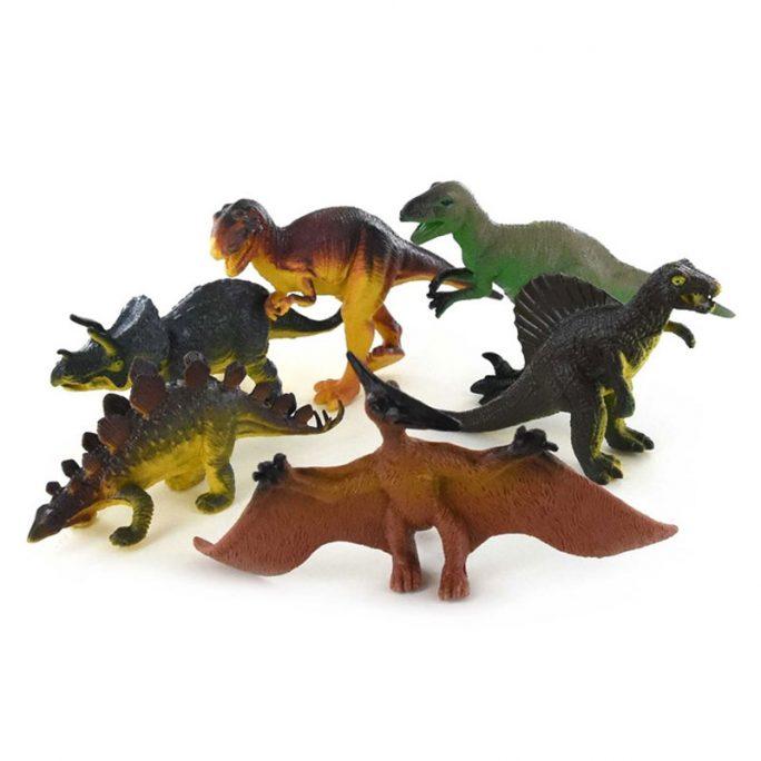 Dinosaurier i plast. Kommer i en påse med 6 blandade dinosaurier. Längd cirka 13 cm. LillaFilur.se har många blandade dinosaurie leksaker. Omgående leverans. Vi slår in i julklapp och present utan extra kostnad.