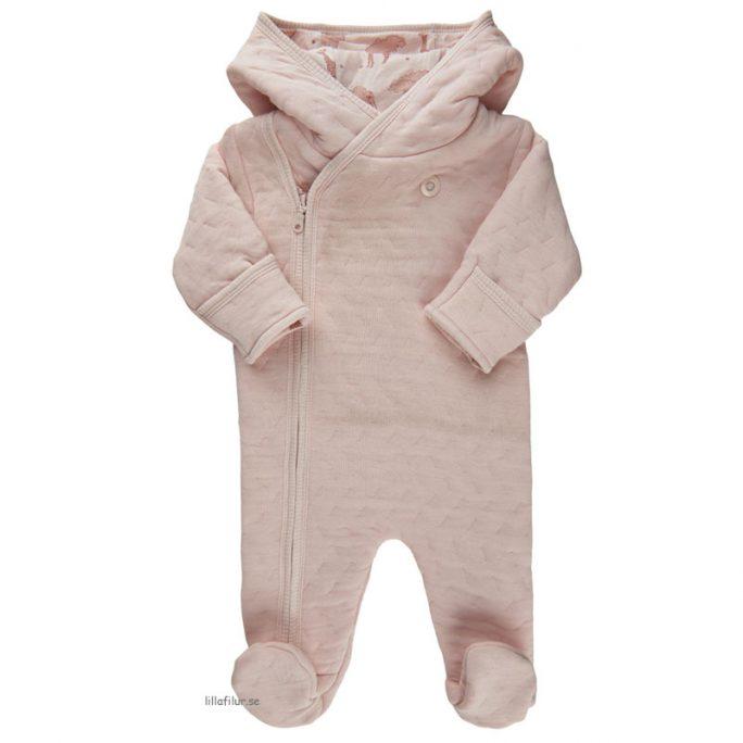 Prematurkläder Overall för prematur barn. Söt rosa overall med fint mönster. Fraktfritt. Beställ prematur kläder på Lillafilur.se