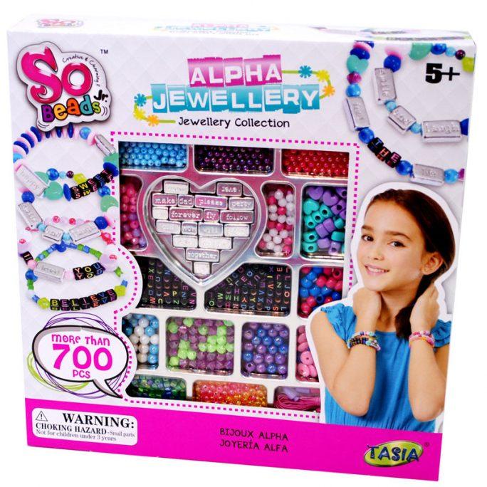 Stort pysselset barn med pärlor. Innehåller bokstavspärlor, pärlor med bokstäver, pärlor med ord och många andra sorters pärlor. Över 700 delar. LillaFilur.se