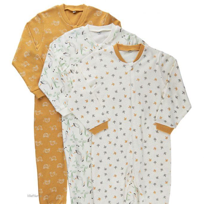 Pyjamas baby nyfödd med fötter med dragkedja. Unisex färger. Pyjamas baby med fot storlek 50, 56, 62, 68, 74, 80 cl. Beställ babypyjamas på LillaFilur.se