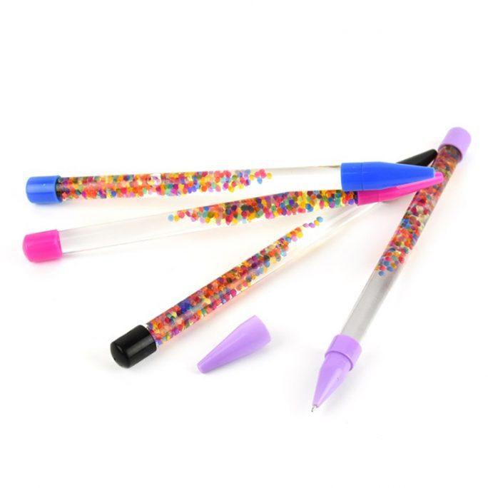 Glitterstav penna med glitter bubblor. Lång penna 28 cm. Bra present till skolstart, att avleda barn hos doktorn med mera. Beställ glitterbatong på LillaFilur.se