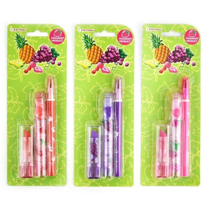 Luktsuddgummi och luktpenna. Skriv set för skolstart för barn med suddgummi med doft och penna med doft. Innehåller två doftsuddgummi och en doftpenna. Välj mellan luktsudd och luktpenna med jordgubbsdoft, körsbärsdoft eller vindruva doft. Beställ luktsuddgummi och luktpennor på LillaFilur.se