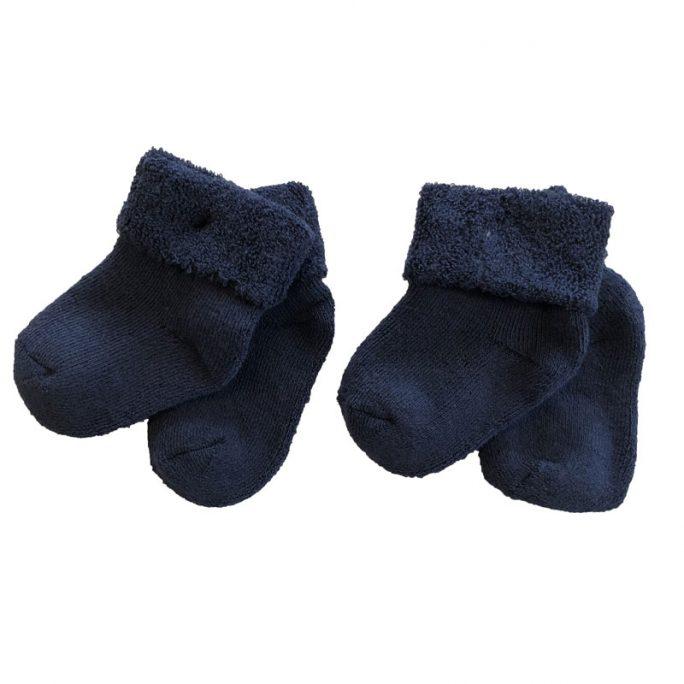 Strumpor prematur marinblå. Frottéstrumpor prematur och nyfödd i 2-pack. Beställ babykläder och prematurkläder på LillaFilur.se
