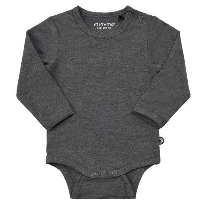 Minymo body baby bambu. Extra mjuk och skön body för baby storlek 50, 56, 62, 68, 74, 80. Silkeslen body för baby. Köp babykläder på lilla filur vi skickar omgående till önskad adress.