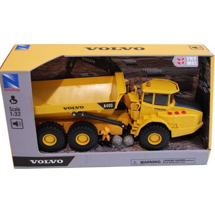 Volvo dumper leksaksbil barn. Stor leksaksbil barn storlek 35 centimeter. Official licensed Volvo product. Beställ leksaksbilar barn skala 1:32 på LillaFilur.se
